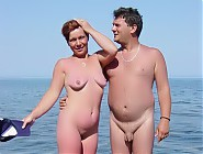 (10 pictures) For The Lovers Of Naked Naturist Women And Couples Here Comes These Full Nudity Pics
