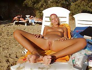 (12 pictures) Nude beach voyeur moments