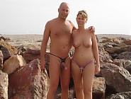 (10 pictures) The Wonders of Naturism - I Took Of My Clothes and Could Enjoy All the Naked Beach Chicks & Even Shot These Pics